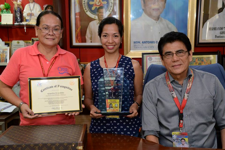 Kawani ng Tanauan City, wagi bilang 2017 Best HR Management Practitioner sa Region IV